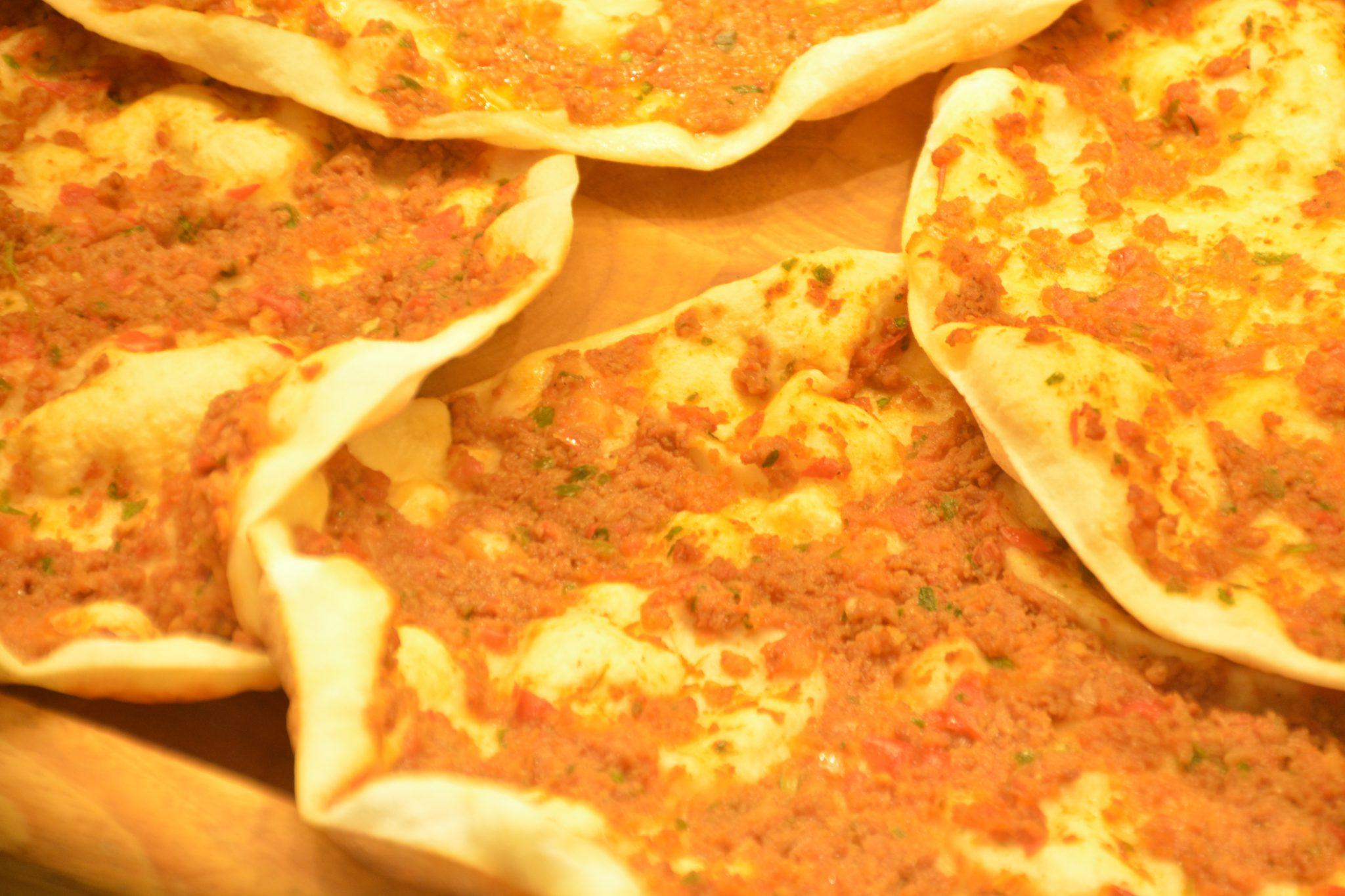 Falafel und Lahmacun